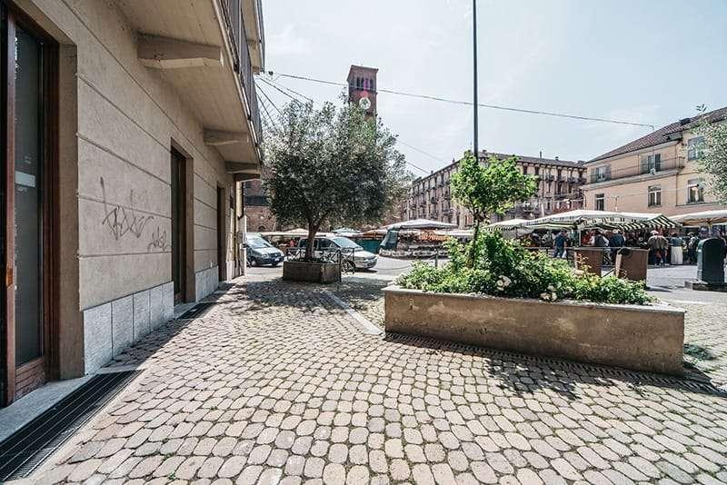 Vendita Locale Commerciale Plurivetrinato Torino Mercato della Crocetta - house factory immobili vendita torino